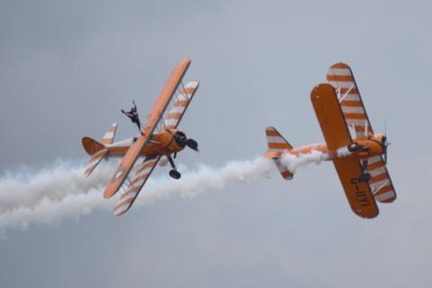 DSC_2864 Aerosuperbatic Wing Walking Team © Michel Anciaux