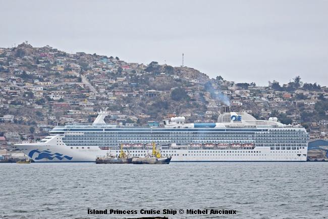 DSC_0202 Island Princess Cruise Ship © Michel Anciaux