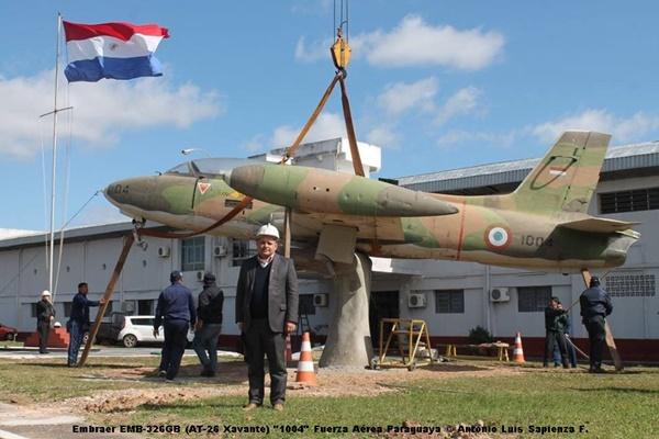 Embraer EMB-326GB (AT-26 Xavante) ''1004'' Fuerza Aérea Paraguaya © Antonio Luis Sapienza F.