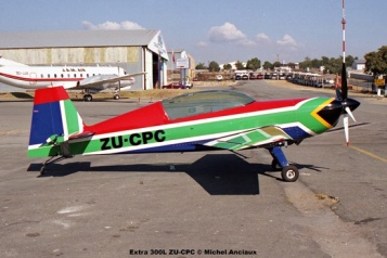 img1931 Extra 300L ZU-CPC © Michel Anciaux