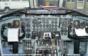 168 McDonnell Douglas DC-9-32 HB-IDO Swissair © Michel Anciaux